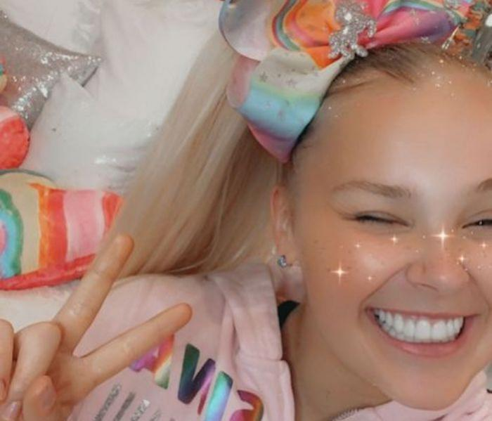 Watch: After Coming Out, JoJo Siwa Says Her House was 'Swatted'